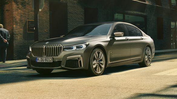 BMW M760Li xDrive Limousine Front von links vorne