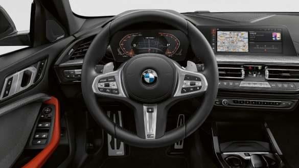 BMW M135i xDrive M Lederlenkrad